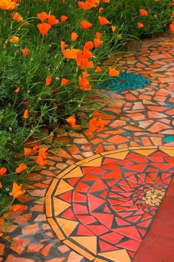 Love the colorModern Gardens, Ideas, Mosaics Paths, Gardens Paths, Mosaics Gardens, Gardens Projects, Pathways, Mosaics Tile, Gardens Mosaics