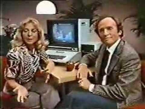 1981: Los ordenadores de Apple, compañeros ideales de las amas de casa  En este anuncio, un hombre pregunta a su mujer cómo utiliza su ordenador de Apple para administrar el presupuesto del hogar. Finalmente, resulta que la mujer se ha convertido en una gran empresaria gracias a los ordenadores de la empresa de la manzana.