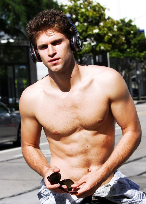 Keegan Allen Actor | Keegan Allen - Pretty Little Liars Wiki