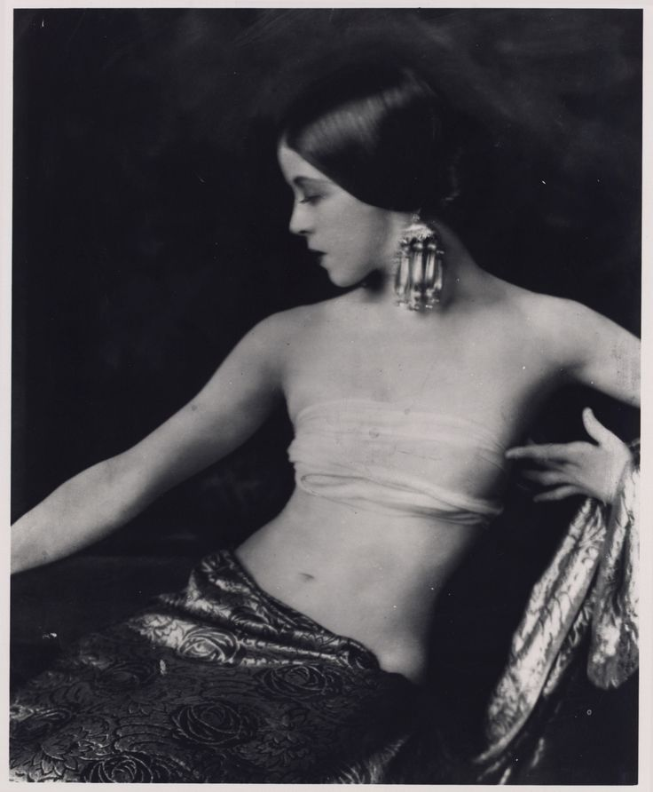 Martha Graham in Greenwich Follies, 1924