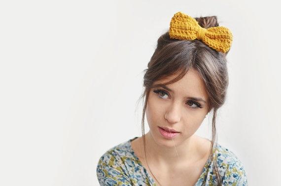 Yellow hair bow / Hand Crocheted by Plexida on Etsy