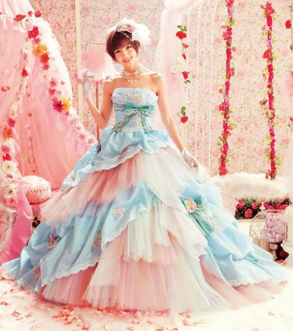 Be A Modern-Day Princess! 25 Fairytale Wedding Dresses!