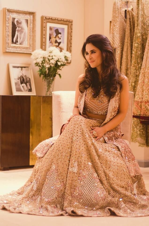 Golden lehnga