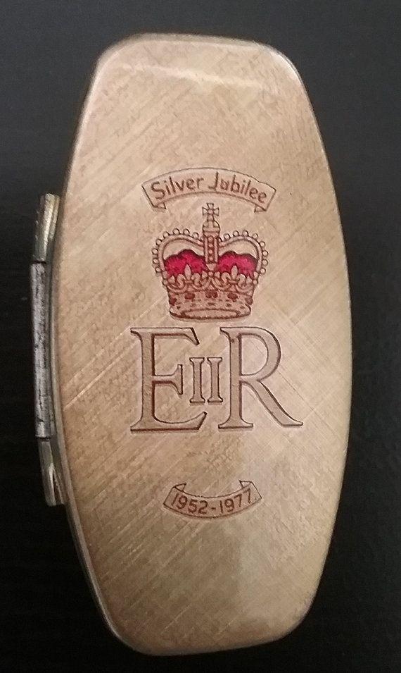 Silver Jubilee Lipstick Case Queen Elizabeth 25 by jeanienineandme