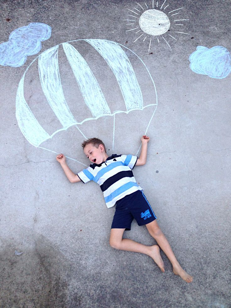 Chalk drawing photography kids craft outdoor fun