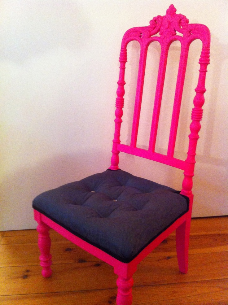 """Chaise """"Charlie Brown"""",style Napoléon 3,rose fluo,assise capitonnée"""