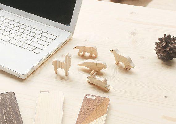 Wooden animal flash drive by minkisloveonetsy on Etsy
