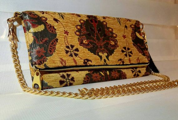 Check out this item in my Etsy shop https://www.etsy.com/listing/493024379/free-dust-bagfoldover-evening-clutch