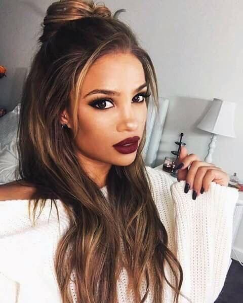 Make up dark lipstick