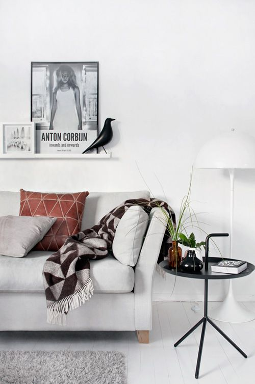 love this photo shelf for the white living room. now, where do i get some? cheers, dana