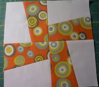 Love this tutorial for making a Whirligig Quilt without a template AND using Charm packs! Perfect!
