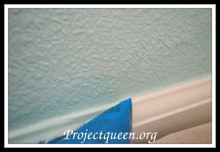 Holy crap!!! the best tip i've seen for getting straight lines that DON'T bleed on textured walls.... yaaaay!