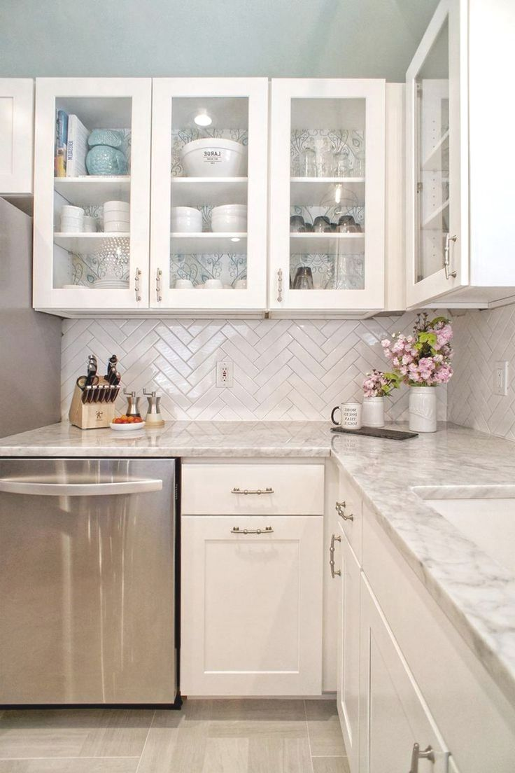 Since Cabinets Are Indeed A Significant Part Your Ki Small Modern Kitchens Kitchen Remodel Small Kitchen Design Modern Small