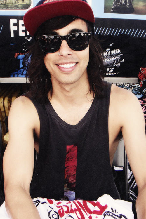 Marry me. This isn't a question. This is an order. You marry me right now you gorgeous human being. Vic Fuentes Pierce The Veil