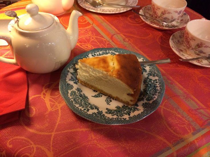 Best tarts and scones ever !  Queen Ann à Paris, Île-de-France