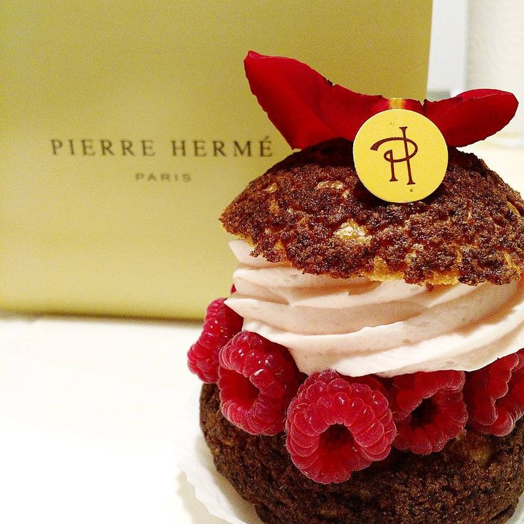 Weekend gourmand - Chou Ispahan #pierreherme #pastry: