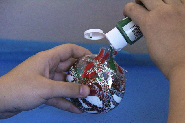 How to Decorate Clear Plastic Ball Ornaments (with Pictures) | eHow