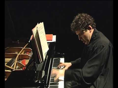 Quinto appuntamento con il Liszt Festival ad Albano Laziale. Domenica 12 febbraio, a Palazzo Savelli, alle 18.30, si esibirà il pianista Gregorio Nardi.L'artista, discendente di una famiglia d'artisti, ha legato il suo nome e la sua carriera a Franz Liszt. Già nel 1986 difatti ha… Read More