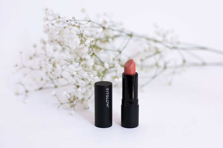 Close to Simple | A review of the green beauty brand Fitglow Beauty's lipstick in the shade, Buck.