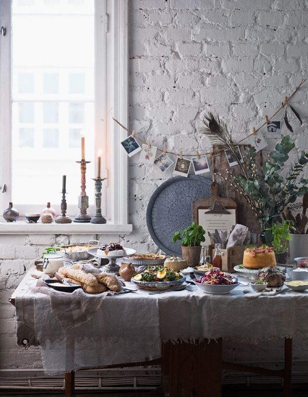 Vegetarian vinter buffet. For swedish mag. Lantliv Mat & Vin jan 2015. Foto by www.matildalindeblad.com  Styling and recipe by www.welldonesthlm.com
