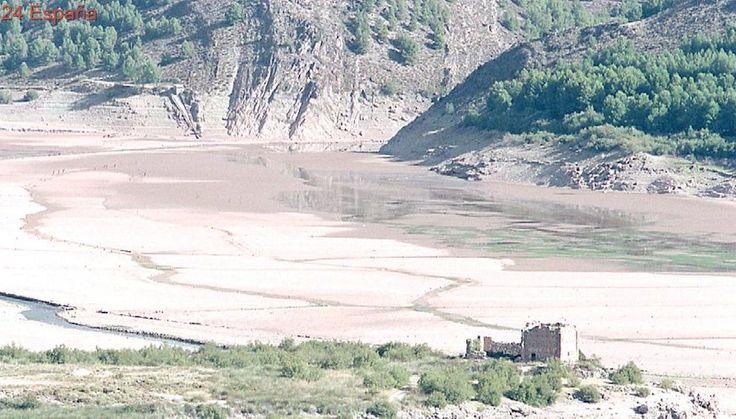 La extrema sequía que sufre el Valle del Jalón llega al Congreso de los Diputados