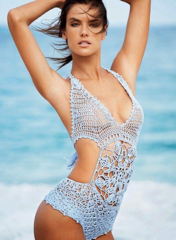 Вязаные купальники Vogue Brazil