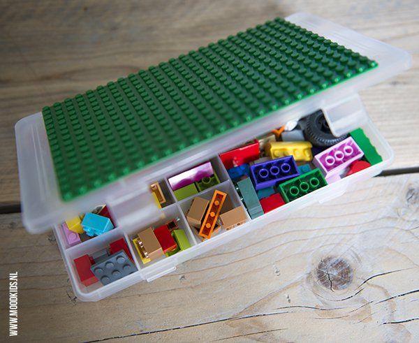 Ben je wel klaar met de iPad op de achterbank? Verzin dan leuke activiteiten voor op de achterbank. Bijvoorbeeld met deze LEGO vakantie tips.