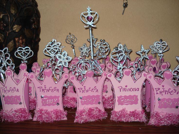 Fiesta de Princesas - Sorpresa Corona - FIESTAIDEAS.