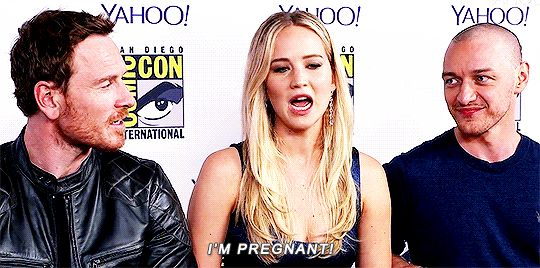 Michael Fassbender, Jennifer Lawrence and James McAvoy at Comic Con <3 herrrrr