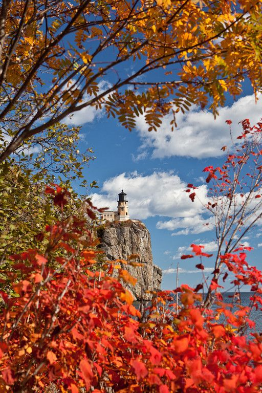 Split Rock Lighthouse - Minnesota...  wow, three of my favorite things.  Lake Superior, Fall leaves and lighthouses.