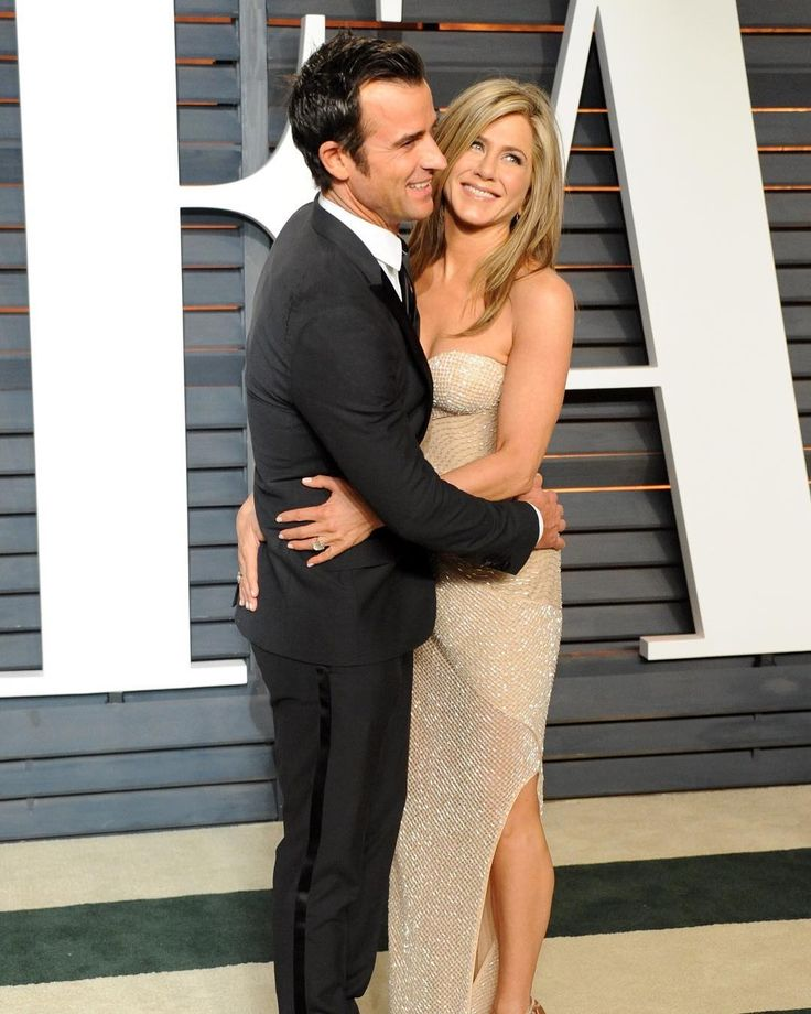 Jennifer Aniston refuses to run lines with Justin Theroux 😂 Her reason is why we love them as a couple. Link in bio 😍