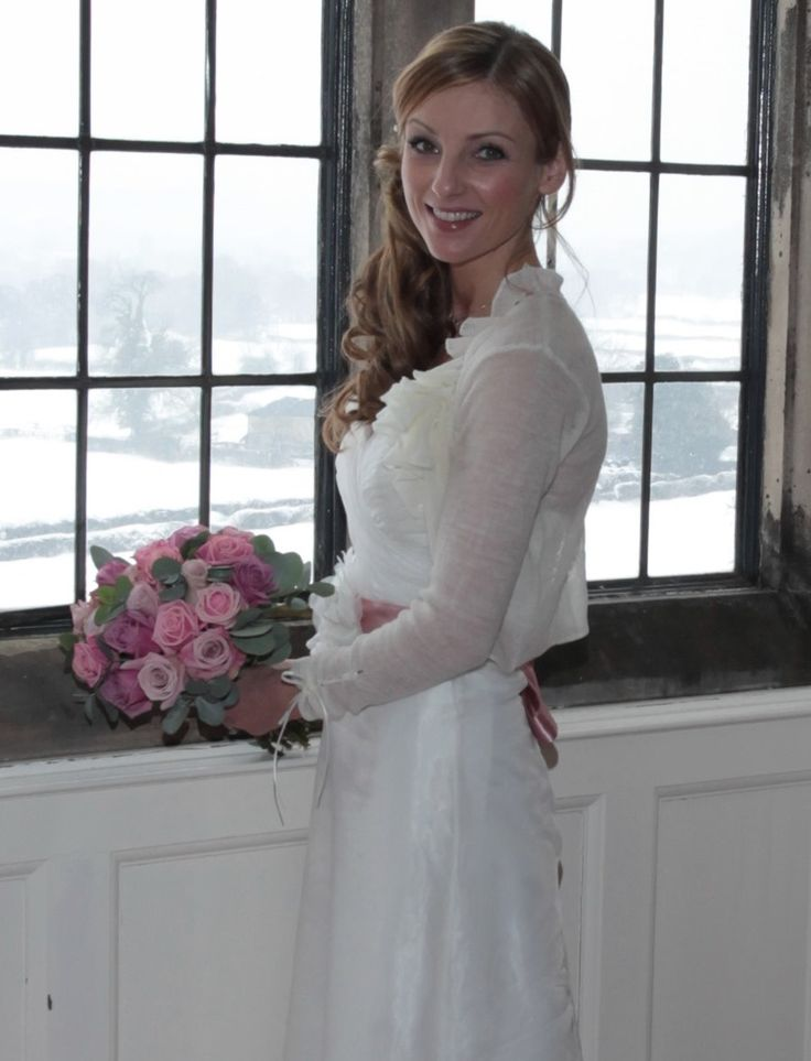 Nadia in a bespoke manifold, knitted just in time so she wouldn't freeze when snow was forecast for the big day!