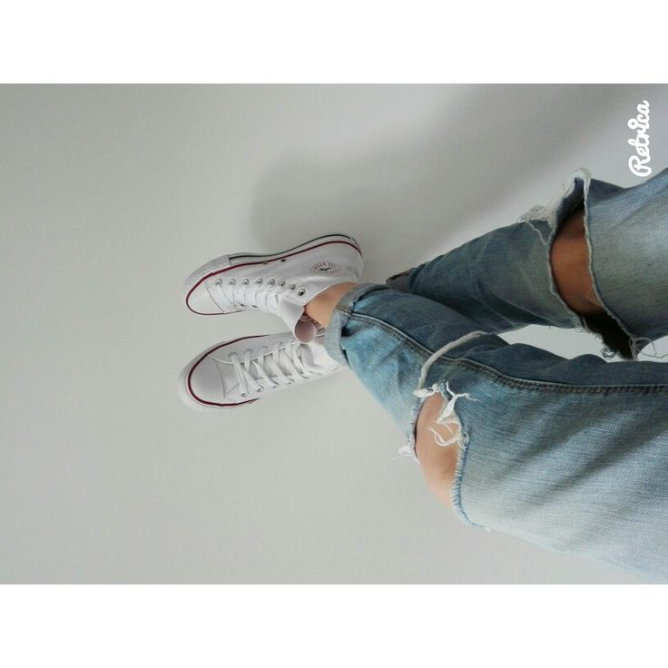 Le jeans troué et les converses #blanche #converse #haute