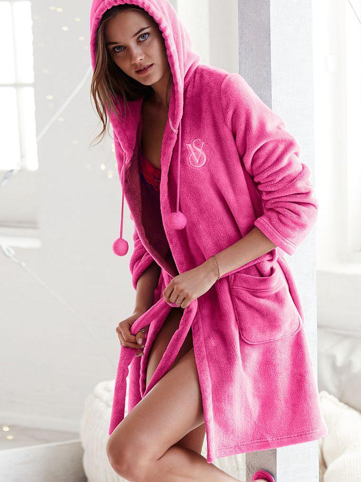 the cozy short robe - victoria u0026 39 s secret large pink