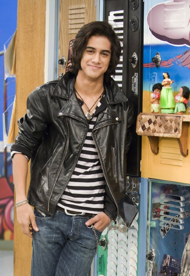 Still of Avan Jogia in Victorious. Beck Oliver is my and always will be my favorite character!