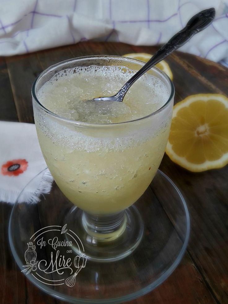 Granita al limone fatta in casa con i limoni di Calabria