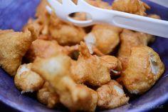 Friterad kyckling med sötsur sås och cashewsås