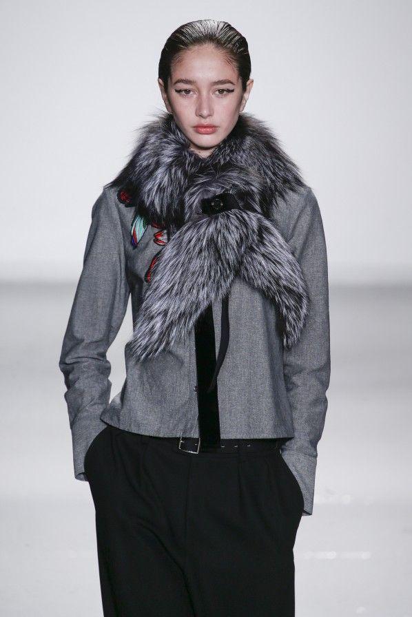 Trend 2015: Pelzstola. ~FURRY scarf.