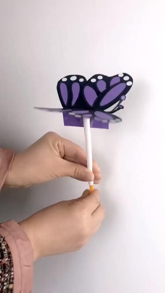 DIY butterfly toy for children ? DIY butterfly toy for youths Diy Crafts For Kids Easy, Diy Crafts Hacks, Diy Crafts For Gifts, Paper Crafts For Kids, Craft Activities For Kids, Toddler Crafts, Creative Crafts, Preschool Crafts, Toddler Activities