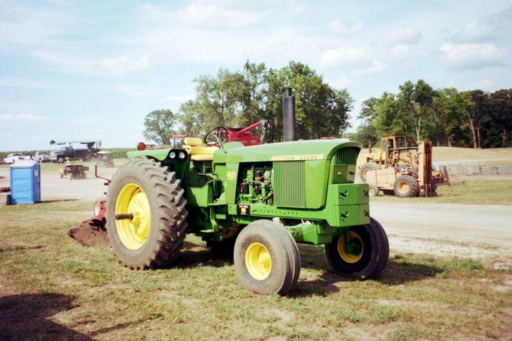 123hp John Deere 4520 row crop tractor.John Deere's first turbocharged tractor