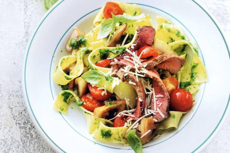Dit recept bewijst hoe je met simpele ingrediënten een op en top Italiaanse pasta op tafel zet - Recept - Allerhande
