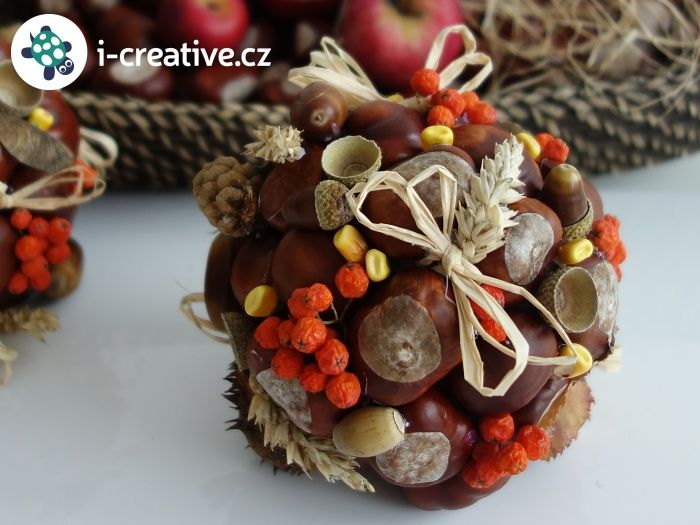 podzimní dekorace - koule z přírodnin