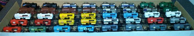 Cisternas de 2 ejes, 24 modelos diferentes. Incluye todos los modelos de catálogo, un prototipo, y las versiones en gris oscuro que aparecían en las cajas de iniciación de 1971.