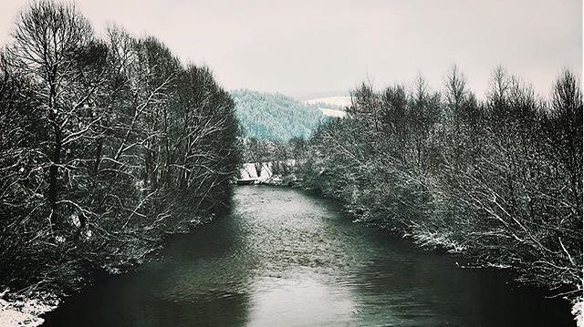 #instagood  by student @zollli . . . . #snow #love #cold #travel #discover #beautiful #nature #snowflakes #vsc #bbctravel #picoftheday #followme #travel #christmas #river #photography #follow #holiday #vscocam #DestinationCovasna