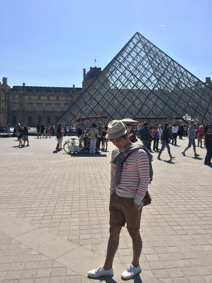 #museumlouvre #paris #perancis #france #travel #travelling #traveller #perjalanan #wisata http://lactobacillust.blogspot.se/2015/10/museum-louvre-di-paris-bukan-sekedar.html