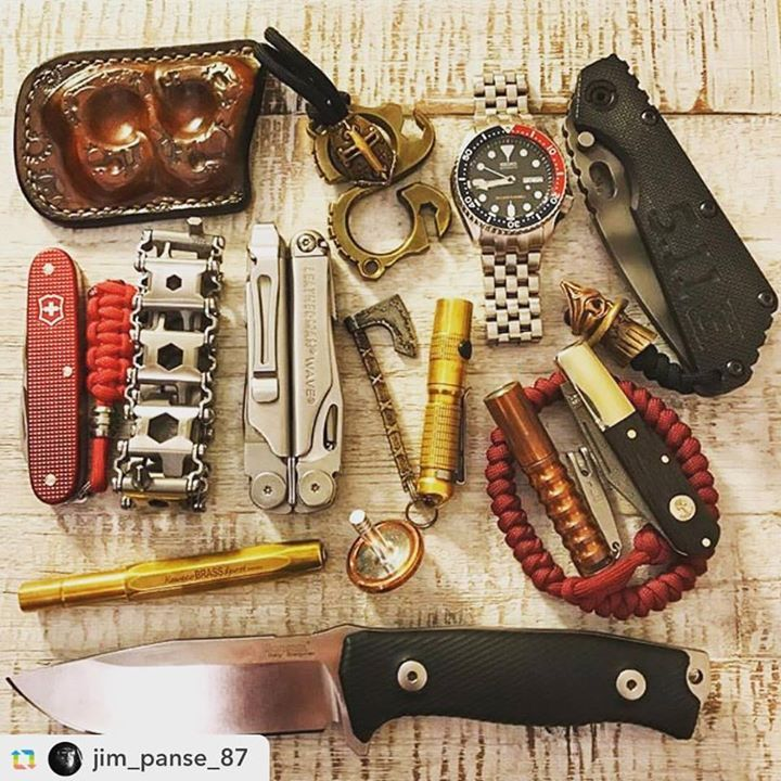 Patina Copper Toolhttp://amzn.to/2cmjAoe #GPRepost#reposter#notetag @jim_panse_87 via @GPRepostApp   ======>  @jim_panse_87:Some of my favorite toy's   #flashlight #ultratac #lumintop #top #keychain #watch #oldschool #bokerknives #böker #striderknives #stridersmf #kniveporn #axe #edc #everydaycarry #coin #toys #511tactical #seiko #leatherman #victorinox #paracord #lionsteel #kochtools #kaweco #lionarmory #edc #everydaycarry #leather #brass