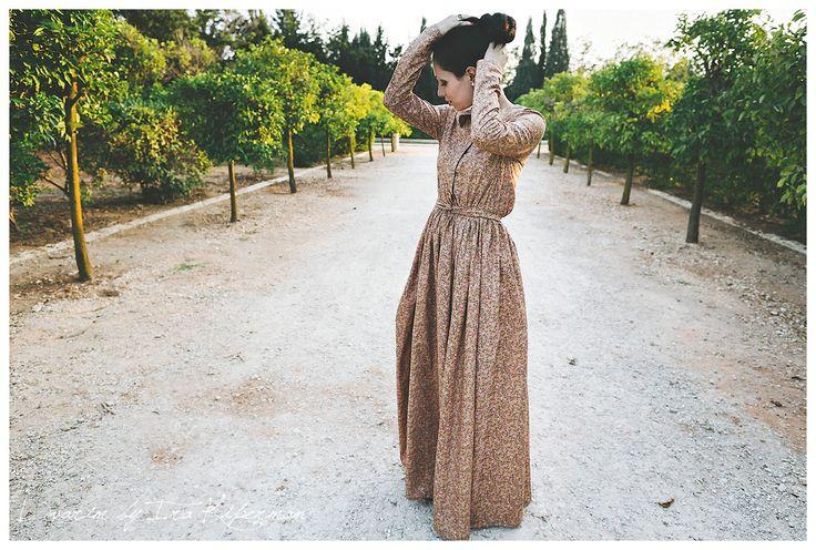 Платье в пол на кнопках спереди