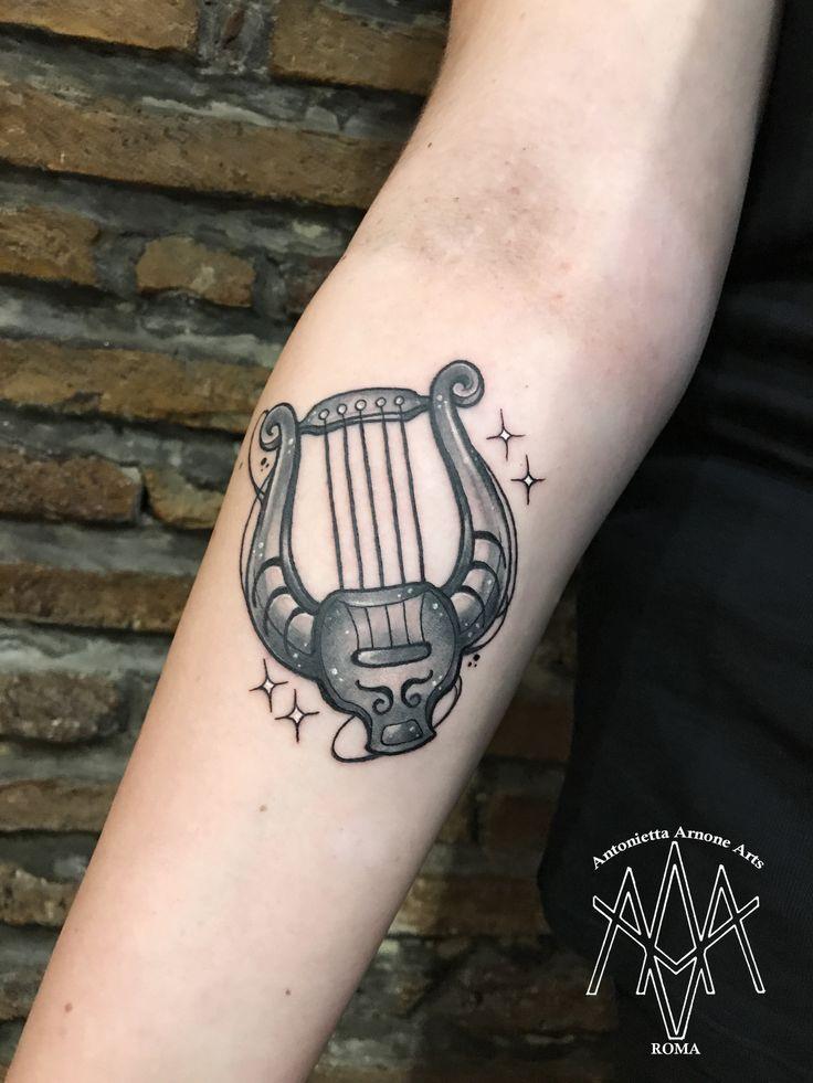 #lyra #lira #constellation #zodiac #stars #universe #music #antoniettaarnonearts #tattooroma #romatattoo #blackandwhite #tattooart #tattooartist #neotraditional #tattoodesign #tattooist #tattooer #tattoolover