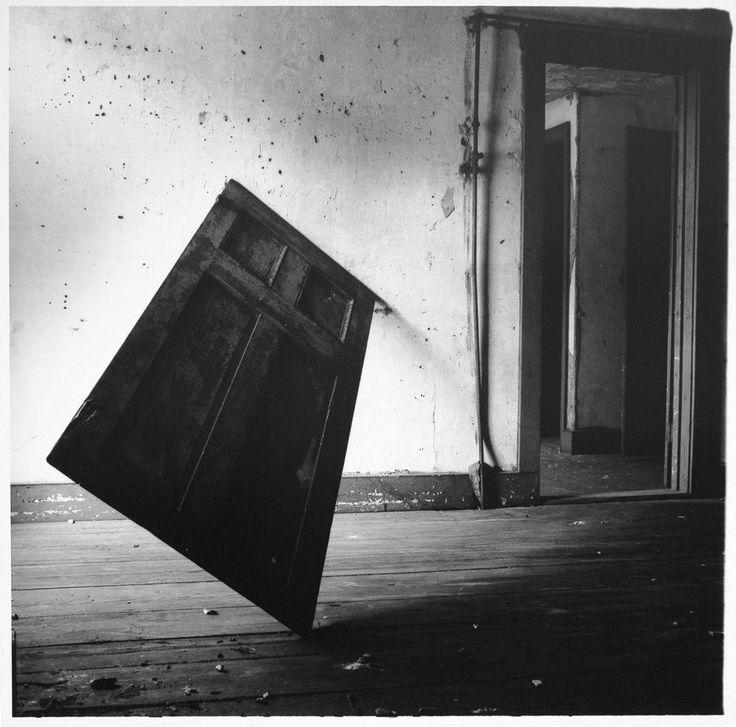 francesca-woodman-untitled-providence-rhode-island-1976-p057-jpg