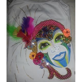 Más motivos de fantasía, blusa dama pintada a mano #carnaval #carnavaldelaarenosa #carnavaldebarranquilla2016 #quienloviveesquienlogoza #armatupintacarnavalera #carnavalsomostodos